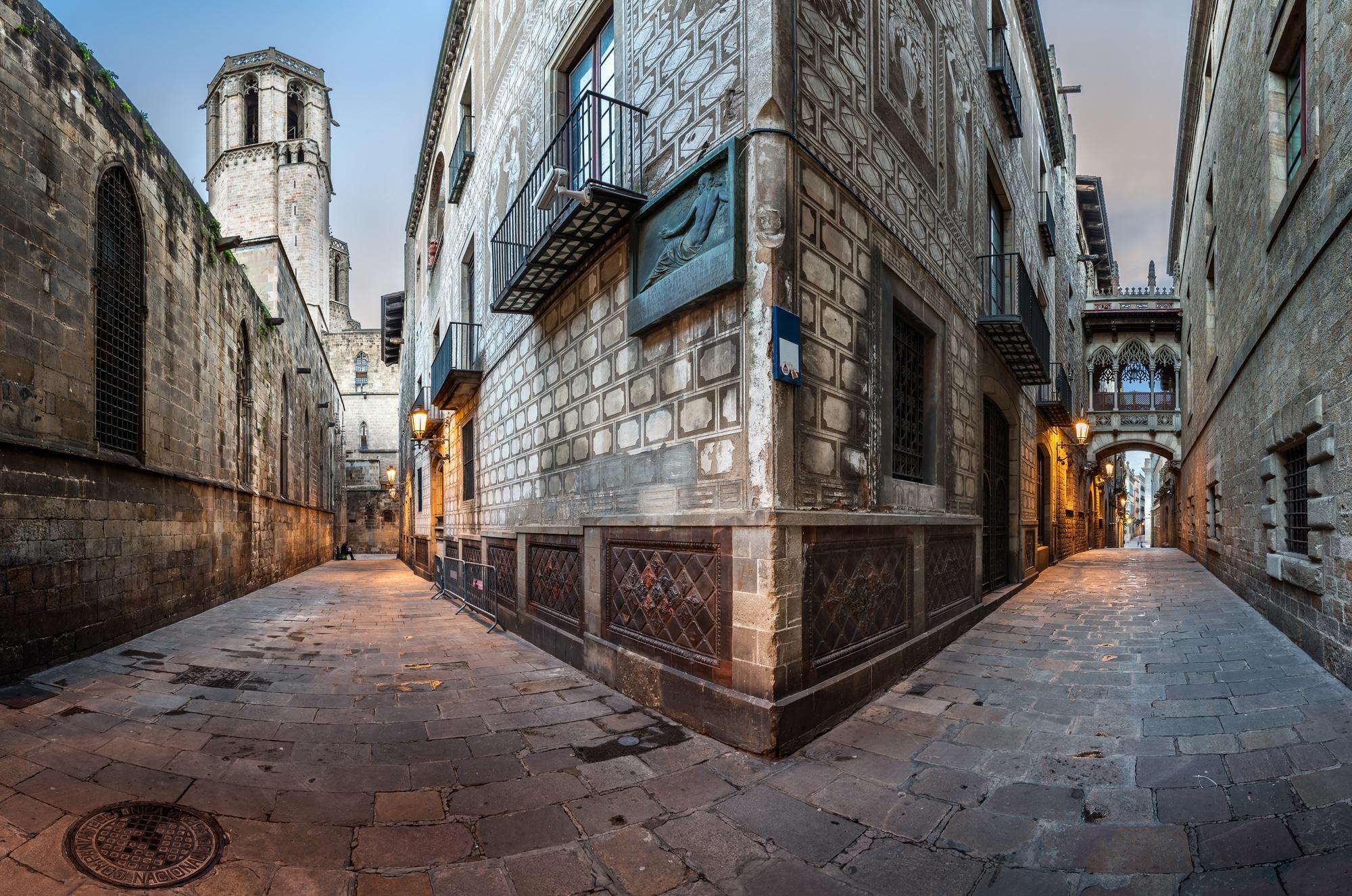 Calles en el barrio Gótico de Barcelona